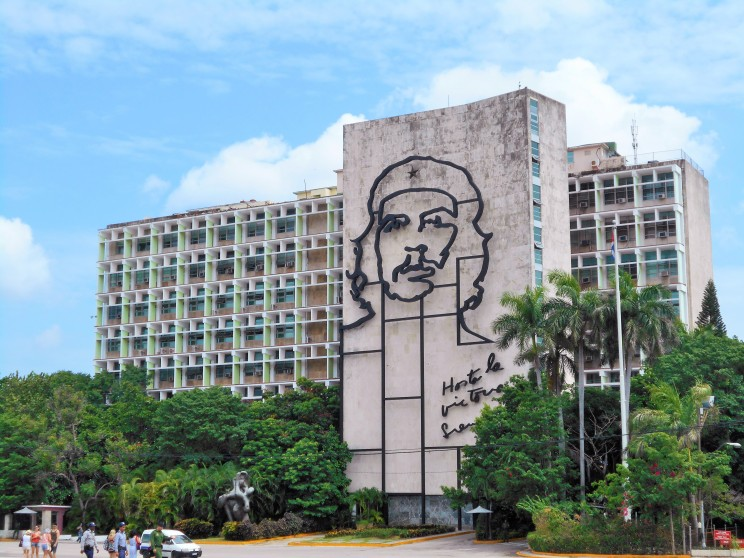Ministry of the Interior Building at Revolutionary Square, Havana- Che Guevara