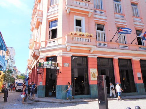 Hotel Ambo Mundos where Hemingway lived and hung out